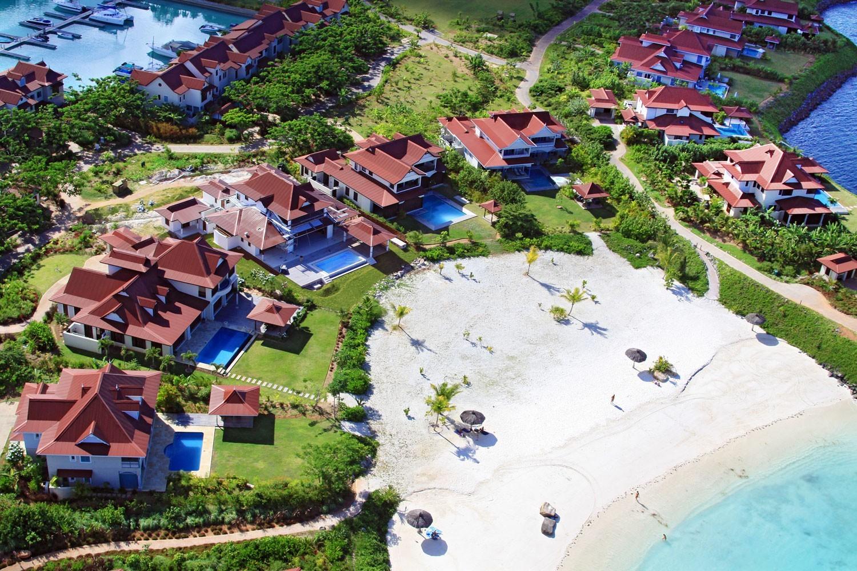 feat - Eden Island Marina