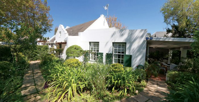 caption Constantia Place 700x361 - Community healthcare and luxury living
